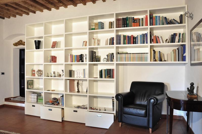 Forum libreria a muro con divano incassato - Librerie ikea immagini ...